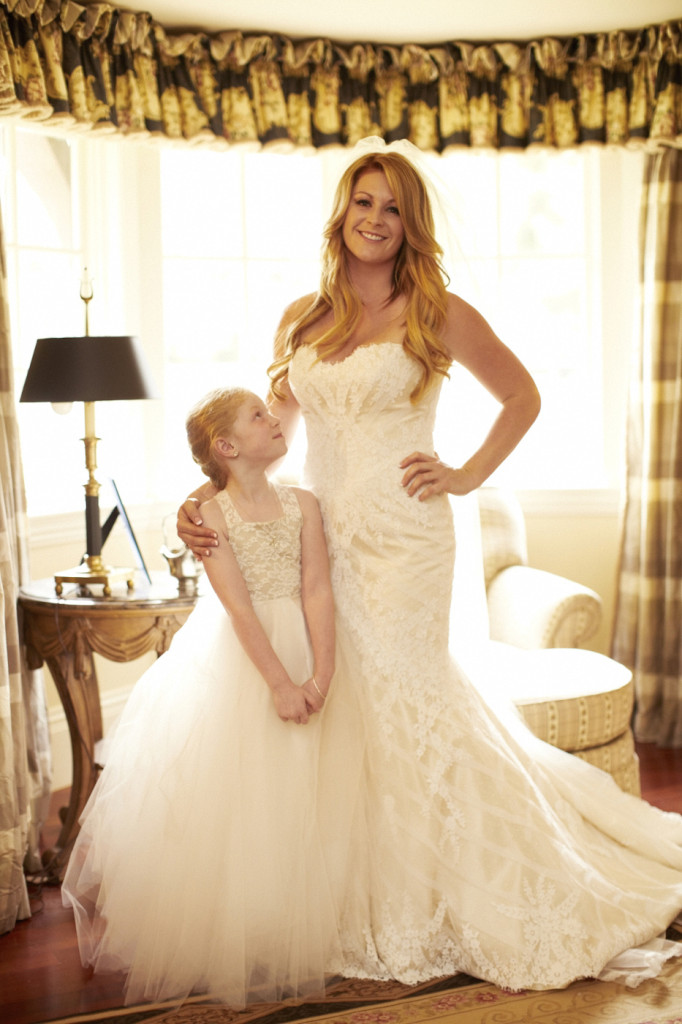The bride with her flower girl