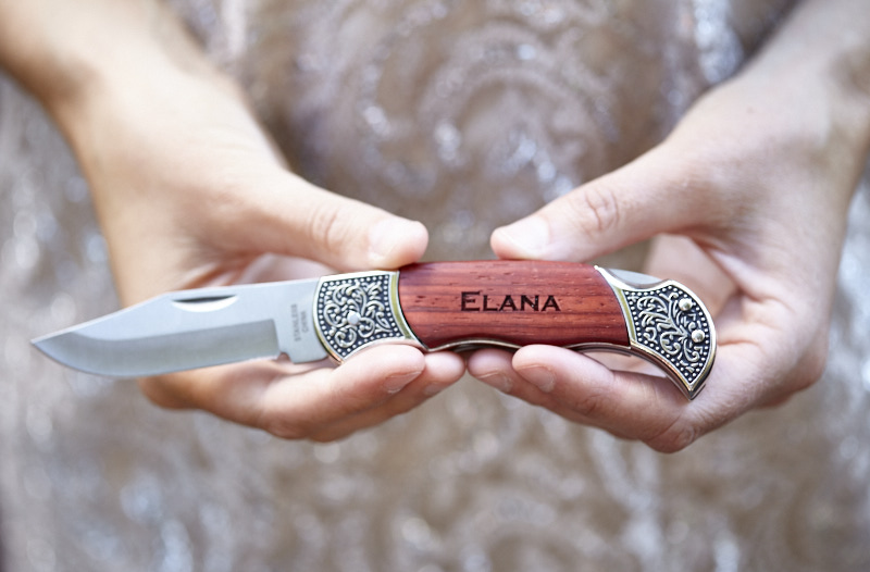 Bridal Party Gift. Personalized pocket knives.
